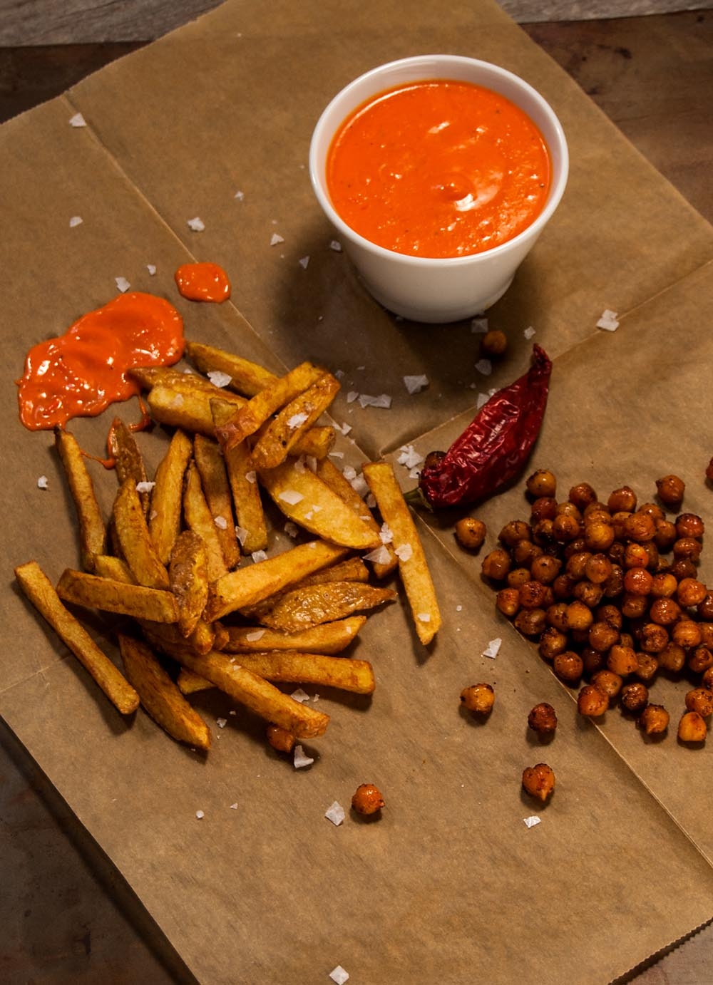 Mojo Rojo with roasted chickpeas and french fries