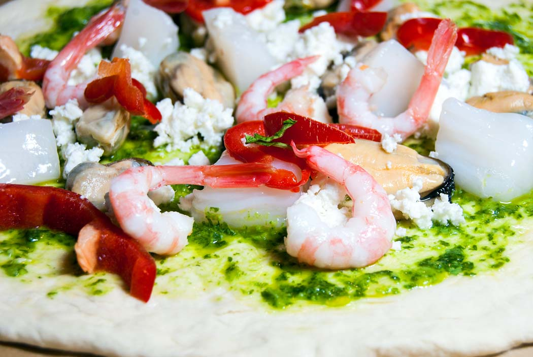 Seafood pizza toppings
